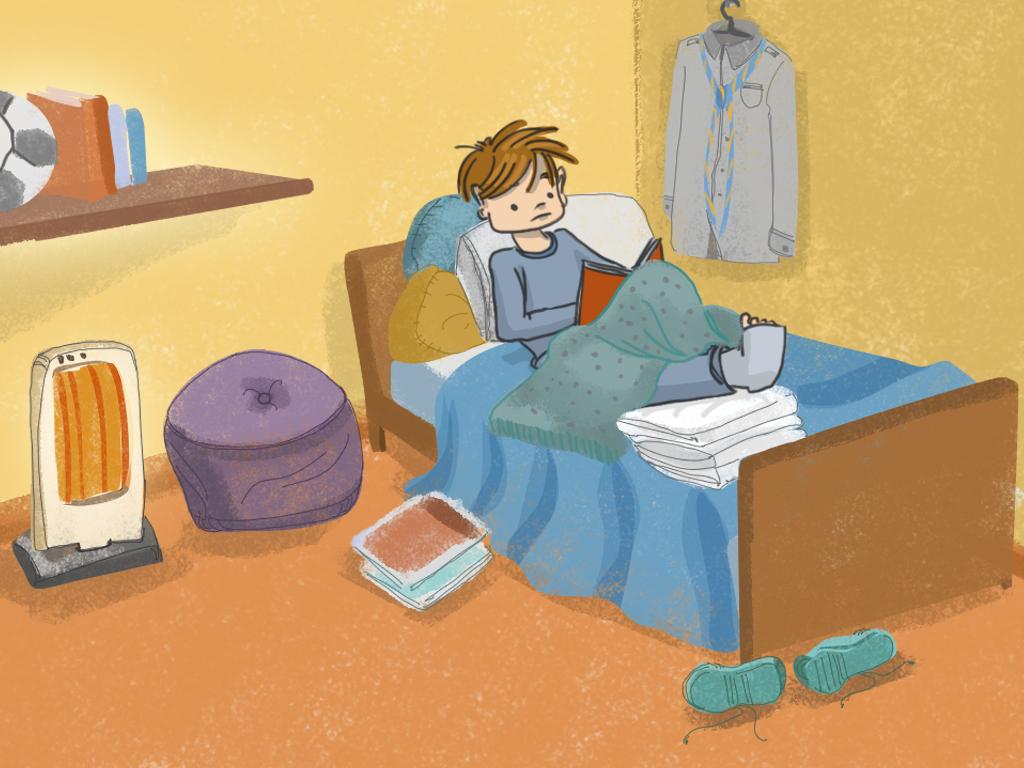 Papelucho está en la cama de su pieza en el departamento, y tiene yeso en la pierna. Tiene colgado al lado de su cama el traje de scout.